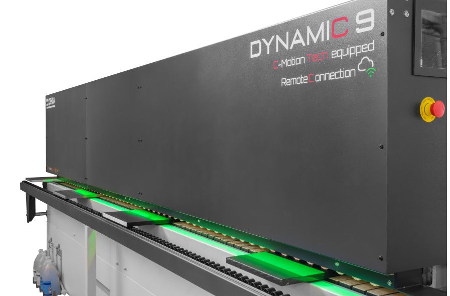 DYNAMIC 8